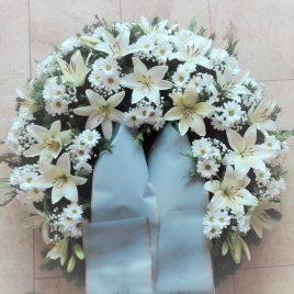Kränze: Kranz mit Lilien Chrysanthemen